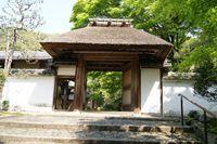 山門(安楽寺)